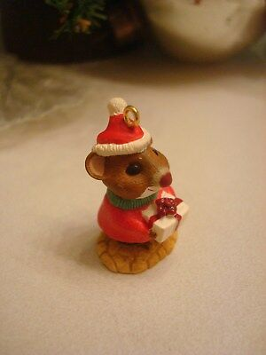 2000 Hallmark Miniature SANTA MOUSE WITH GIFT Christmas ornament
