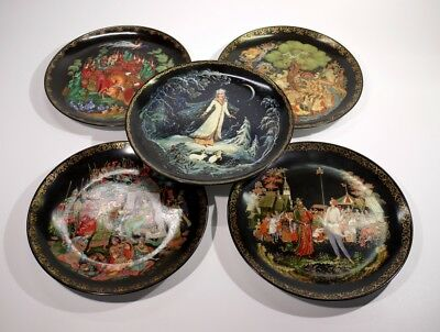 Highly Decorative Set of 5 Vintage Russian Fairy Tale Porcelain Plates.