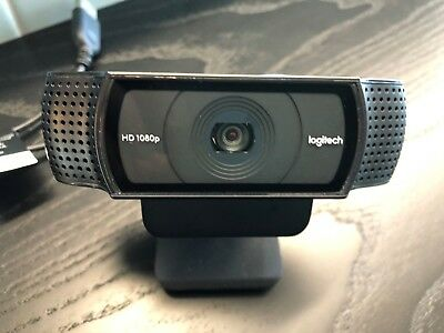 Logitech C920 HD Pro Webcam - Full HD 1080p Video Calling and Recording