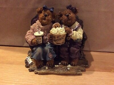 Boyds Bear Figurine Rachael and Phoebe Girls Night Out
