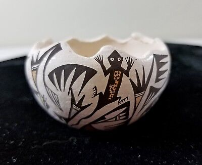 Vtg Signed P. IULE Native American Acoma New Mexico Pottery Miniature Pot Bowl