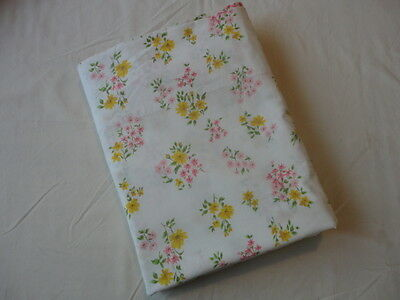 Vintage 1970's Cannon Twin Size Percale Flat Sheet , Floral Print ,Never Used