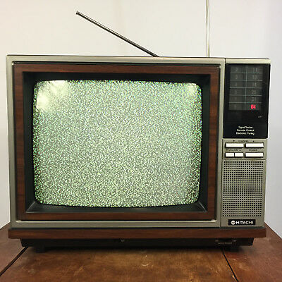 Working Rare Vintage 70s 80s Wood Grain Hitachi Color TV Television Set Decor