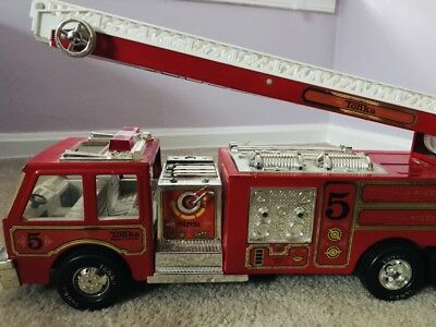Tonka Fire Truck Water Cannon No. 5 (33105) with Functional Ladder