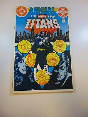 New Teen Titans annual #2 1st appearance of Vigilante VF- condition
