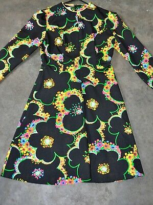 INCREDIBLE Vintage 1970s bright skater dress. Small 8-10 Perfect condition.