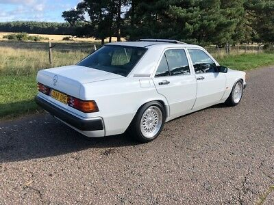 MERCEDES 190e AUTOMATIC 1991 WHITE GREY LEATHER STUNNING CAR !