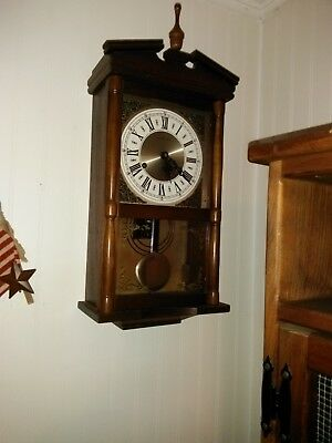 Hamilton 31 Day Wall Wind Up Clock in Working order