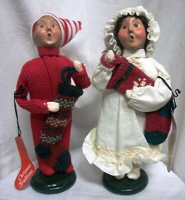 Lot 2 Byers Choice Traditional Boy Girl Child W/ Stocking Christmas Figures 2000