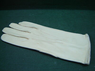 Ladies Vintage Real Leather Gloves in Buttercream - Unused with Button Wrist