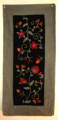 """Vintage Handmade Embroidered Felt-Applique Wall Hanging Table Runner 36.5"""" x 17"""""""
