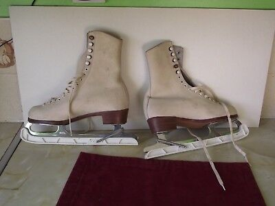 John Wilson Majestic Ice Skates With Scepterene Skate Guard. White Leather Size