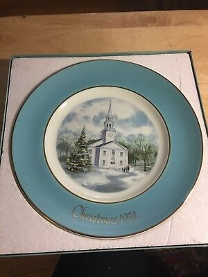 """1974 Avon Christmas Collectors Plate """"Country Church"""" by Enoch Wedgwood"""