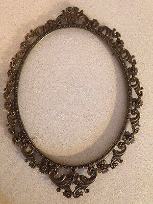 "Antique Ornate 15.5"" X 11.5"" Brass Oval Picture Frame (No Glass)"
