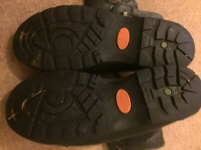 Size 9 1/2 black altberg military boots Used Good condition.