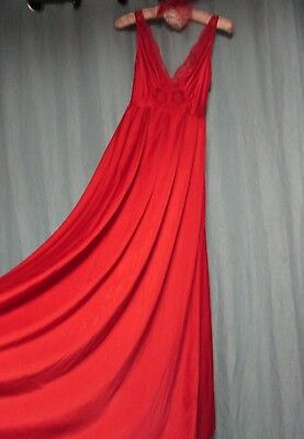 VTG Olga BODYSILK long red sweep nightgown lace bodice dp scoop USA XS S M 309