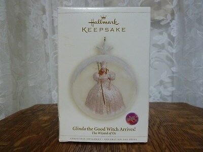 Hallmark Keepsake 2011 - Glinda the Good Witch Arrives! - The Wizard of Oz - NIB