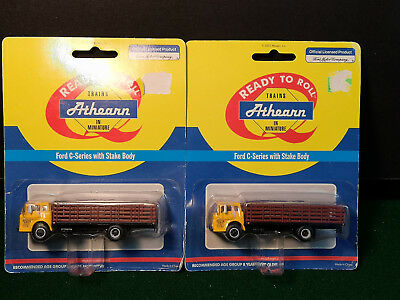 Lot Of 2 - Athearn Ford C Preston Trucking Co. With Stake Bed Ho Scale 1:87 Nip