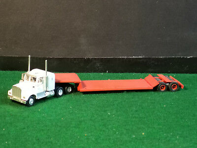 Athearn Kenworth 900 & Red Ghq 2 Axle Cometto Lowboy Ho Scale 1/87