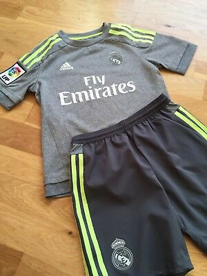 Trikot und Hose Kinder Real Madrid Gr.140