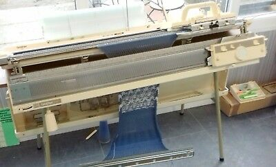 Brother Kh881 Kniting Machine + Kr850 Ribber Attachment