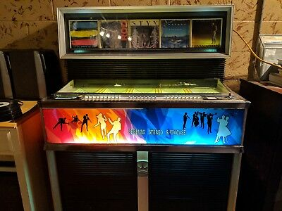 SEEBURG JUKEBOX SS160 Stereo Showcase (Good Condition!)