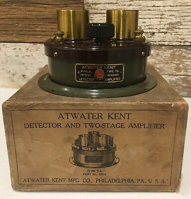 Antique Atwater Kent Radio Detector and Two Stage Amplifier Original Box Green