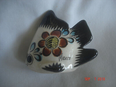 PRETTY Vtg. MEXICO Hand-Painted ANGEL FISH POTTERY FIGURINE Smaller Size