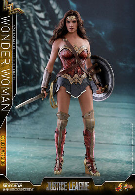 Hot Toys Wonder Woman Deluxe 1:6 Figure Gal Godot Movie Masterpiece Series