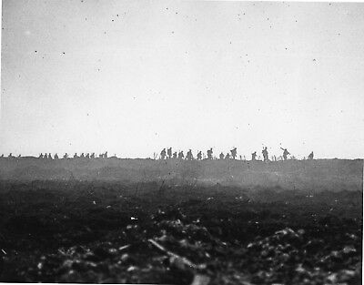 WW 1- Original Black & White Photo - Canadian Soldiers advancing in No Mans Land