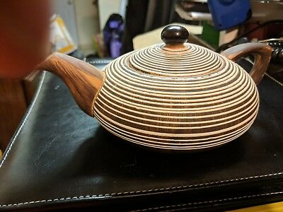 **COOL** Vintage  Hard to Find Starset Pottery Teapot Tan With Spiral Pattern