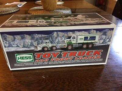 2008 hess truck New in box