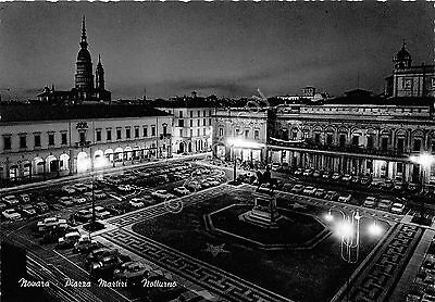 Cartolina - Postcard - Novara - Piazza Martiri - notturno - by night