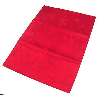 A Pack of 4 Red Snowflake Design Christmas  Placemats