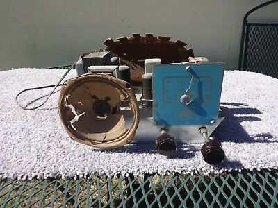 VINTAGE 1950's-60's UNITED ELECTRIC  LABORATORIES AM RADIO CHASSIS