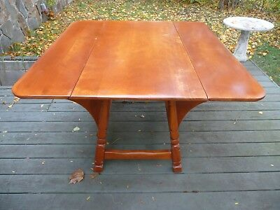 Vintage Mid-Century CUSHMAN COLONIAL Butterfly Drop Leaf Maple Kitchen Table