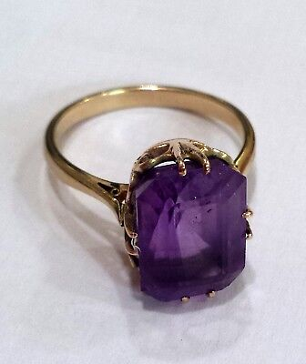 Superb antique art deco amethyst solitaire 9ct ring with a decorative setting .Q