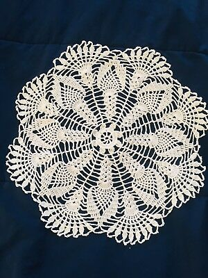WHITE HAND CROCHET Table Cloth Topper Round Tablecloth Vintage Lace