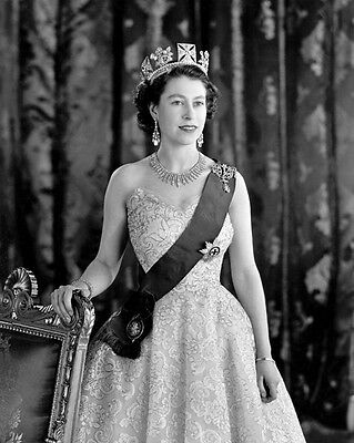 QUEEN ELIZABETH II Glossy 8x10 Photo Celebrity Print Portrait Leader Poster