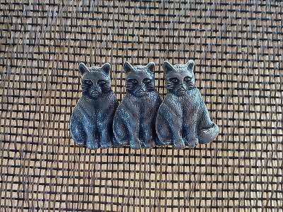 PET ANIMAL 2 KITTY CAT PEWTER FINISH over BRASS PIN with 3 cats on Pins ALL New