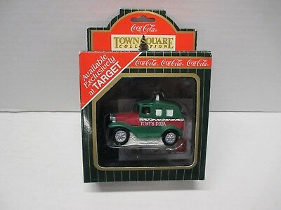 1996 Coca-Cola Pizza Delivery Truck Town Square Collection MIB Target #CG2419