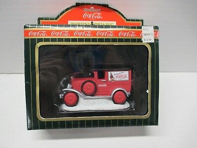 1996 Red Delivery Truck Coca-Cola Town Square Collection MIB #CG2416 Model T