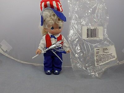 2007JULY Precious Moments MONTHLY MOMENT Vinyl Doll Red White Blue FIRECRACKER
