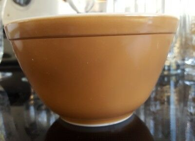 Vintage Pyrex 401 1 1/2 Pint Mixing Bowl Town & Country Brown Coffee 1.5
