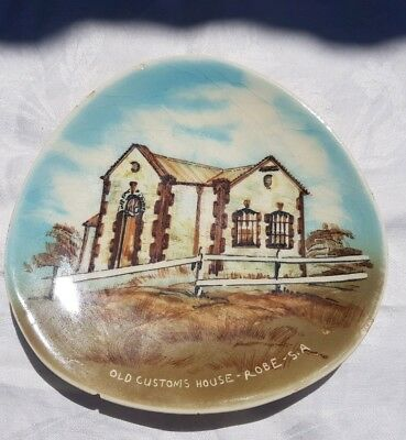 STUDIO ANNA HAND PAINTED DISPLAY PLATE OLD CUSTOMS HOUSE ROBE australian pottery
