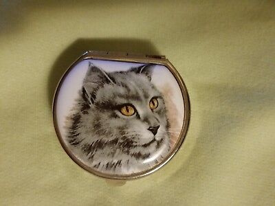Vtg Gold Tone Metal Cat Rounded Pill Box / Trinket Box Made In Italy Pre-owned