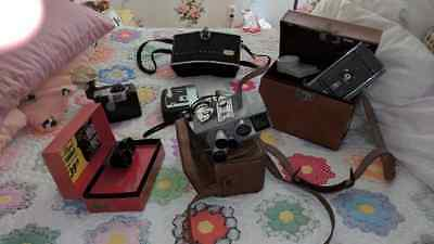 Nice lot of vintage cameras and cases +