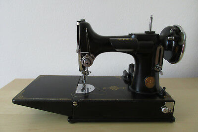SINGER Portable elektr. Nähmaschine Sewing Machine Mod. 221-1 ALT OLD 1935 (?)