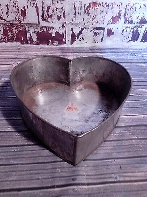 Large 12 Inch Heart Shape Baking Tin Cooking Kitchen Cake Tin Mold H11 cm