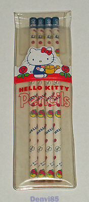 VINTAGE! 1976 Sanrio HELLO KITTY Pencil Set Remnants in Pouch from JAPAN!